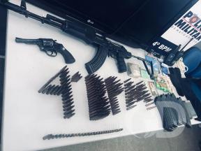 armamento e munições apreendidos após morte de assaltante em VG