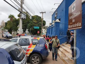 Funcionários da Santa Casa voltam a protestar