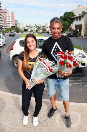 Dia Dos Namorados / Flores / Vendas de Flores / Jorge Vieira e Patricia Schleching /