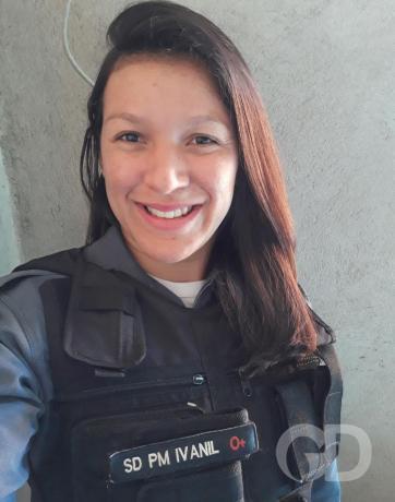 Policiais doam cabelos