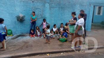 Crianças resgatadas de um Van que pegou fogo em Cuiabá