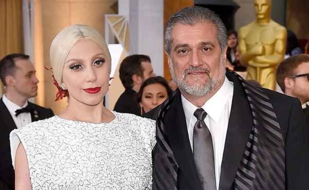 Pai de Lady Gaga pede doações na internet   Gazeta Digital