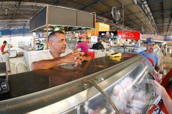 Mercado do Porto / Compras / peixes / semana Santa /  / Odil Xavier