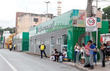 Ônibus / Ponto de Ônibus / Lotação / Quarentena  / Circulação