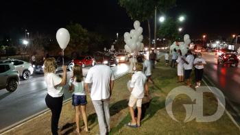 Familiares e amigos pedem justiça por Isabele