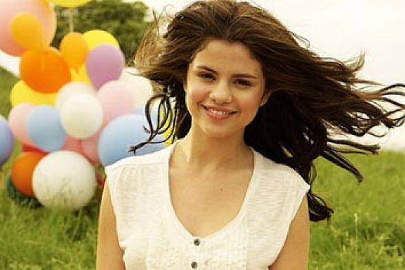 Selena Gomez vai dar tempo na carreira   Gazeta Digital 3104b7034c